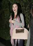 th_99484_celebrity_paradise.com_TheElder_JaydeNicole2010_02_24_leavesBesorestaurantinHollywood_122_140lo.jpg
