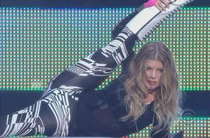 Fergie! Opening her legs unbelievably wide!! and more hot scenes