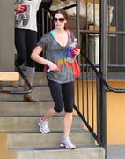 http://img206.imagevenue.com/loc152/th_848294685_Ashley_Greene_Leaving_The_Gym_In_Studio_City_Mar10_blase_NS4W5_123_152lo.jpg