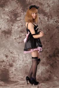 http://img206.imagevenue.com/loc554/th_232511408_Silver_Sandrinya_maid_3_029_122_554lo.jpg