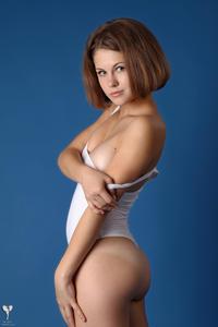 http://img206.imagevenue.com/loc71/th_365209367_tduid300163_silver_angels_Sandrinya_I_whiteswimwear_1_099_122_71lo.jpg